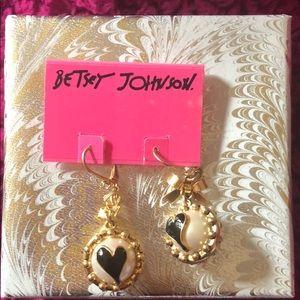 Adorable brand new Betsey Johnson earrings!